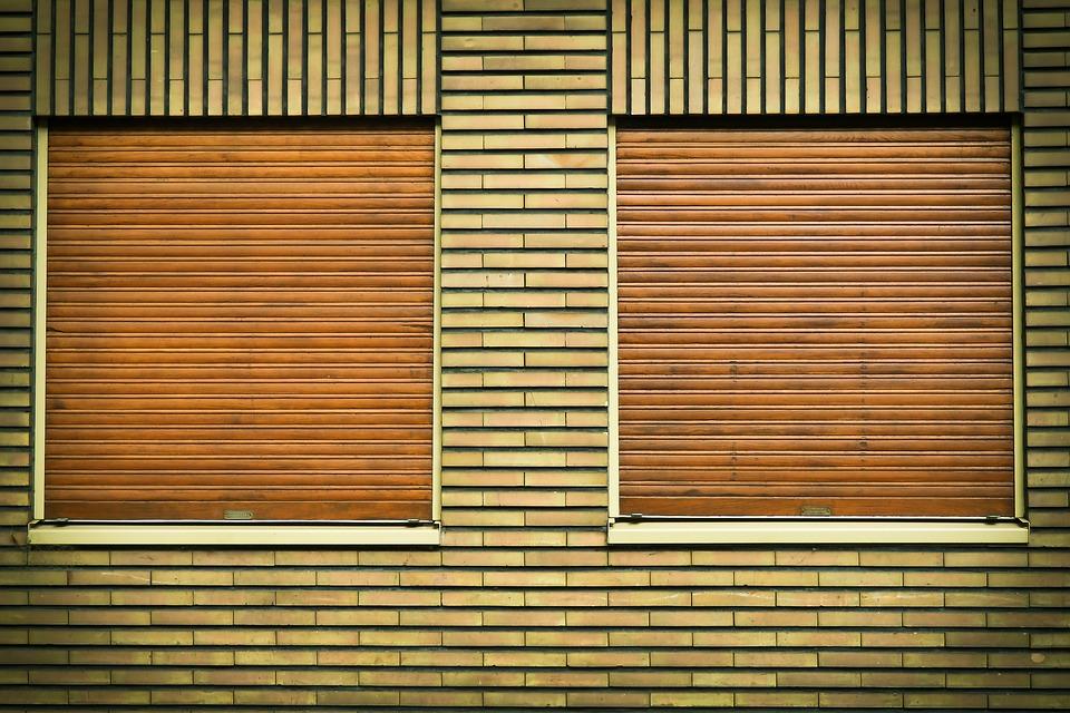 Pourquoi les volets métalliques nécessitent-ils un permis de construire ?